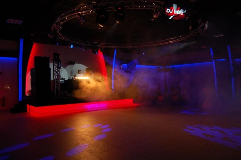 06-Dance_Club